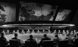 [<!HS>영화로운<!HE> <!HS>세계<!HE>] 핵이 北 지켜줄 '절대반지'? 천만에, 당한 나라 많다