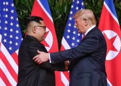 """""""北, 비료·의료지원 요구···美, 반년 내 <!HS>핵무기<!HE> 반출하라"""""""