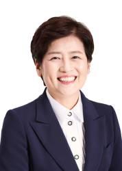 """[당선인 인터뷰]강은희 대구교육감 """"반팔 착한교복 도입할 것"""""""