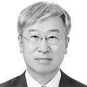 [<!HS>비즈<!HE> <!HS>칼럼<!HE>] 한국의 우주개발, 국제협력에 더 힘 쏟아야