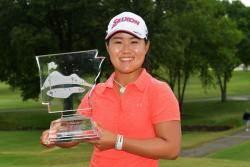 일본 여자 골프 희망 LPGA에 첫 깃발...10대 하타오카 월마트 우승
