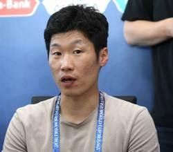 """""""월드컵 경기 직접 뛰면 안 되나"""" 네티즌 댓글에 <!HS>박지성<!HE>의 대답"""
