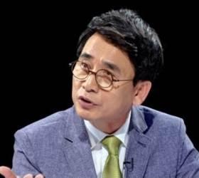 """유시민, '<!HS>썰전<!HE>' 하차 """"정치 비평과 작별""""…다음 주자는"""