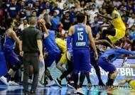 필리핀-호주, 농구 경기중 집단난투극…13명 퇴장