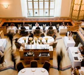 [<!HS>책<!HE> <!HS>속으로<!HE>]맛있다는 관념을 파는 뉴욕의 식당