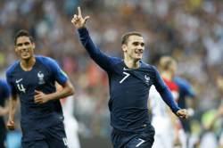 프랑스, 20년만에 <!HS>월드컵<!HE> 우승컵 들어올렸다