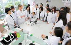 [<!HS>열려라<!HE> <!HS>공부<!HE>+] IB DP 시험 우수한 성적 거둬 … 물리·수학 분야 여성 인재 산실