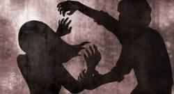 """집행유예 중 며느리 친구 <!HS>성추행<!HE>한 50대, 징역 1년…法 """"반<!HS>성<!HE> 참작"""""""