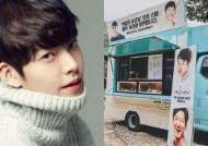 KIM WOO BIN Sends a Coffee Truck to EXO's D.O. Even When He's Recovering from Cancer