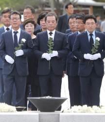 """김병준 """"먹방까지 규제 … <!HS>문재인<!HE> 정부는 국가주의적"""""""