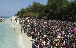 [사진] 인도네시아 <!HS>지진<!HE> … 섬 탈출 행렬