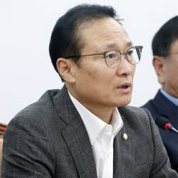 """여야 """"징벌적 손해배상 한도 3배서 더 강화"""" 기업 압박 카드"""