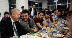 """""""점심 하시죠"""" 농반진반 트윗에 응한 독재자 에르도안"""