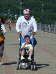100kg 아빠, 아들 웃는 모습 보려 뛰고 또 뛰다