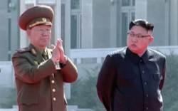 북한 '오뚝이 2인자' <!HS>황병서<!HE>, '당 제1부부장' 직함 달았다