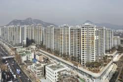 [안장원의 부동산 노트]준공 2300가구, 매물은 0 … 거래 블랙홀 빠진 서울 아파트