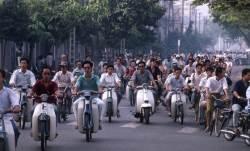 40도 폭염 베트남, 유니클로 가디건은 왜 잘 팔릴까