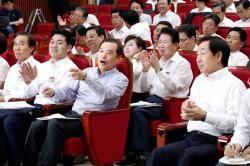 """김병준 """"고장난 한국당, 새 기사보다 수리를"""" 인적청산 유보"""