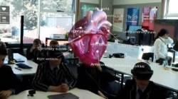 [교실의 종말] 입학식 없앤 日학교, 인터넷 게임으로 소풍