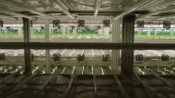 SF영화에 나올 법한 장면···사람 손 필요없는 식물공장