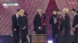 기록소년단 BTS 6관왕…2년 연속 음반 대상 안았다