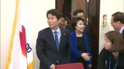 """""""지금처럼 하면 다 죽는다"""" 민주당 의원들, 이인영에 몰표"""