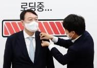 """""""윤석열입니다, 고맙습니다"""" 뜻밖에 전화받은 깡통시장 상인"""