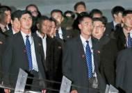 김정은 55층 전망대 갈 때 경호원들은 뛰어 올라간 까닭