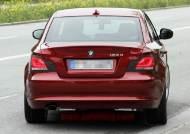 [사진]프랑스 개선문 인근에서 노출된 BMW `1시리즈 쿠페`