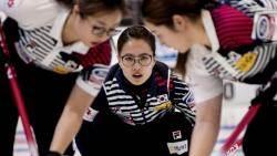 여자 컬링 '팀 킴' 4승째…이탈리아와 연장 접전 끝 승리