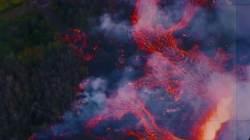 70m 치솟은 용암에 하와이 곳곳 불바다…유독가스도 유출