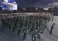 국군의날 첫 '야간비행'…군 퍼레이드 대신 싸이 공연