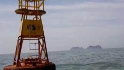 슬픔 간직한 팽목항…참사 해역엔 '세월호' 쓰인 부표만