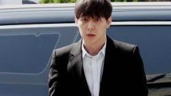 박유천 이틀째 조사…'마약 의혹' CCTV, 몸에 주사자국 추궁