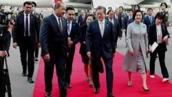 문 대통령, 투르크멘 화학단지 방문…오늘 우즈베크 의회 연설