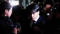 """경찰 """"승리 성접대 정황 확인""""…관련 여성 17명 입건"""