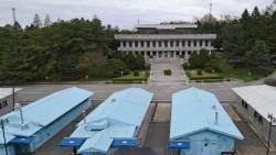 5월부터 JSA 남측지역 견학 재개…'도보다리' 첫 개방