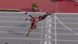 '다이빙'으로 몸 던져 육상 1위…결승선, 치열한 '몸짓'