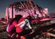 미 텍사스·아칸소 '초강력 토네이도'…사망·정전 피해