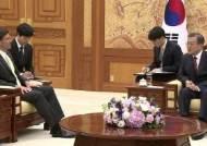 """문 대통령, 미 국방 접견…""""일본과 군사정보 공유 어렵다"""""""