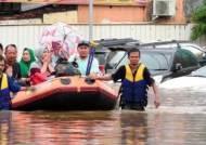 인니 자카르타 최고 300㎜ 폭우 '물난리'…9명 숨져