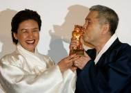 [사진] 임권택 감독, 베를린 영화제 명예황금곰상