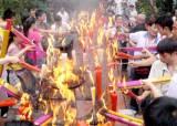 신 중국 60년  베이징 하늘에도 신은 존재하는가