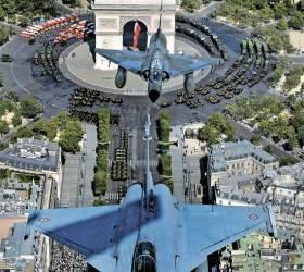 [사진] <!HS>프랑스<!HE> <!HS>혁명<!HE> 기념일 … 개선문 위 나는 라팔·미라주