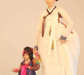 [사진] 이영희씨, 파리서 한복 패션쇼