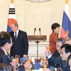 """한·러 정상 """"평양의 핵·미사일 노선 용인 못 한다"""""""