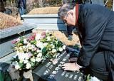 [브리핑] 염수정 추기경, 김수환 추기경 묘소 참배