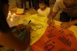 [사진] 말레이시아 여객기 탑승 실종자들을 위해