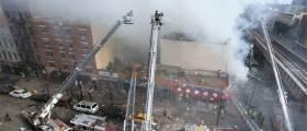 맨해튼 아파트 2채 폭발 붕괴