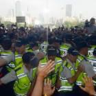 일부 유족들, 국회 진입 시도…경찰과 충돌